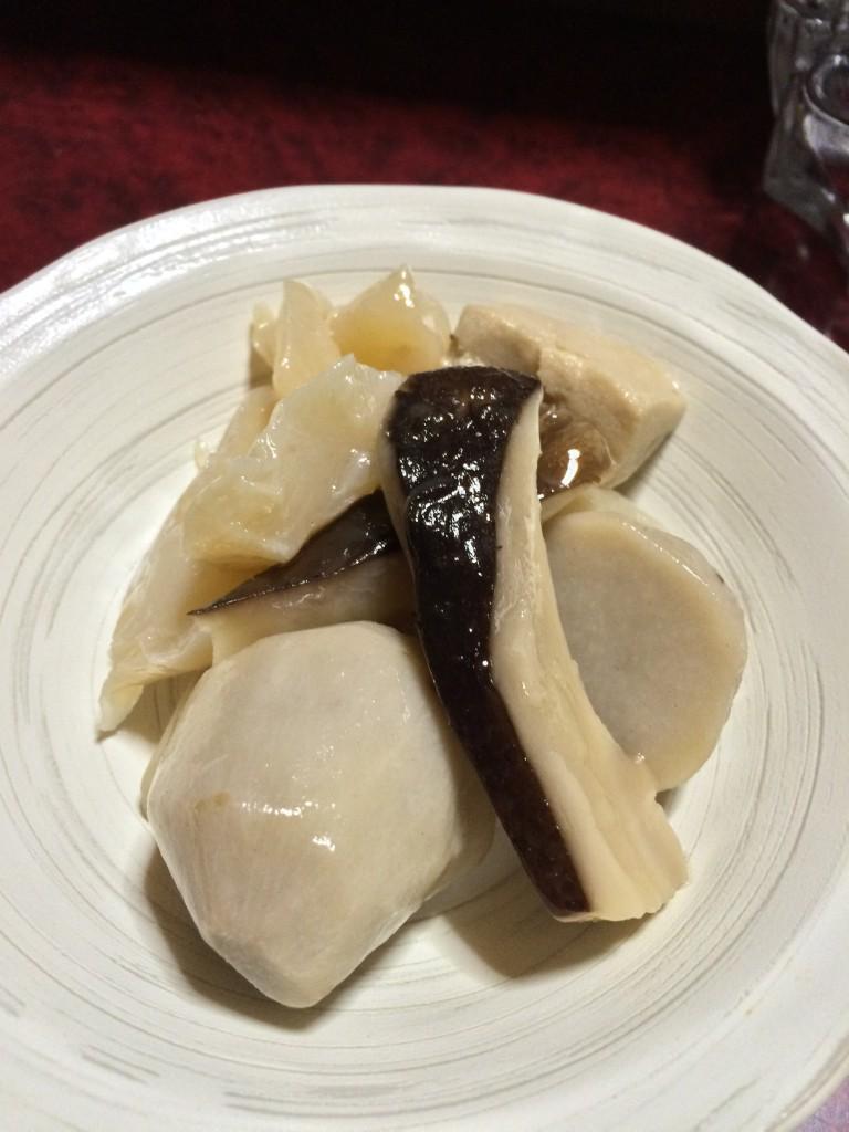 サトイモとシイタケの煮物