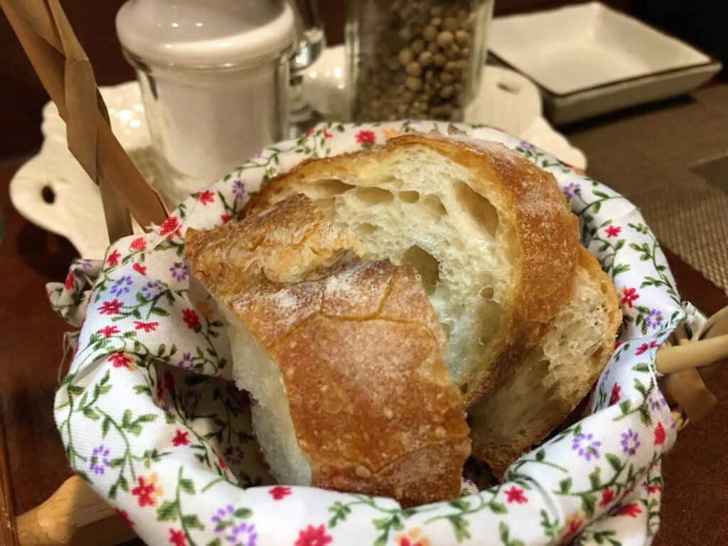 アヒージョについてくるパン
