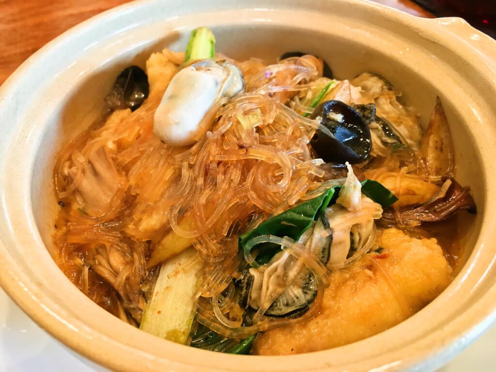 牡蠣とタラの春雨鍋