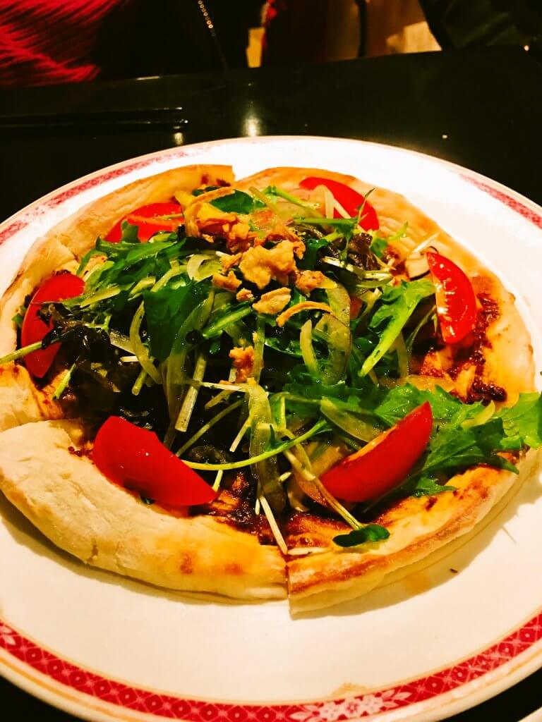 アンチョビと野菜のピザ