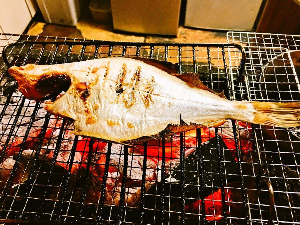笑楽宗八炭火焼き580円