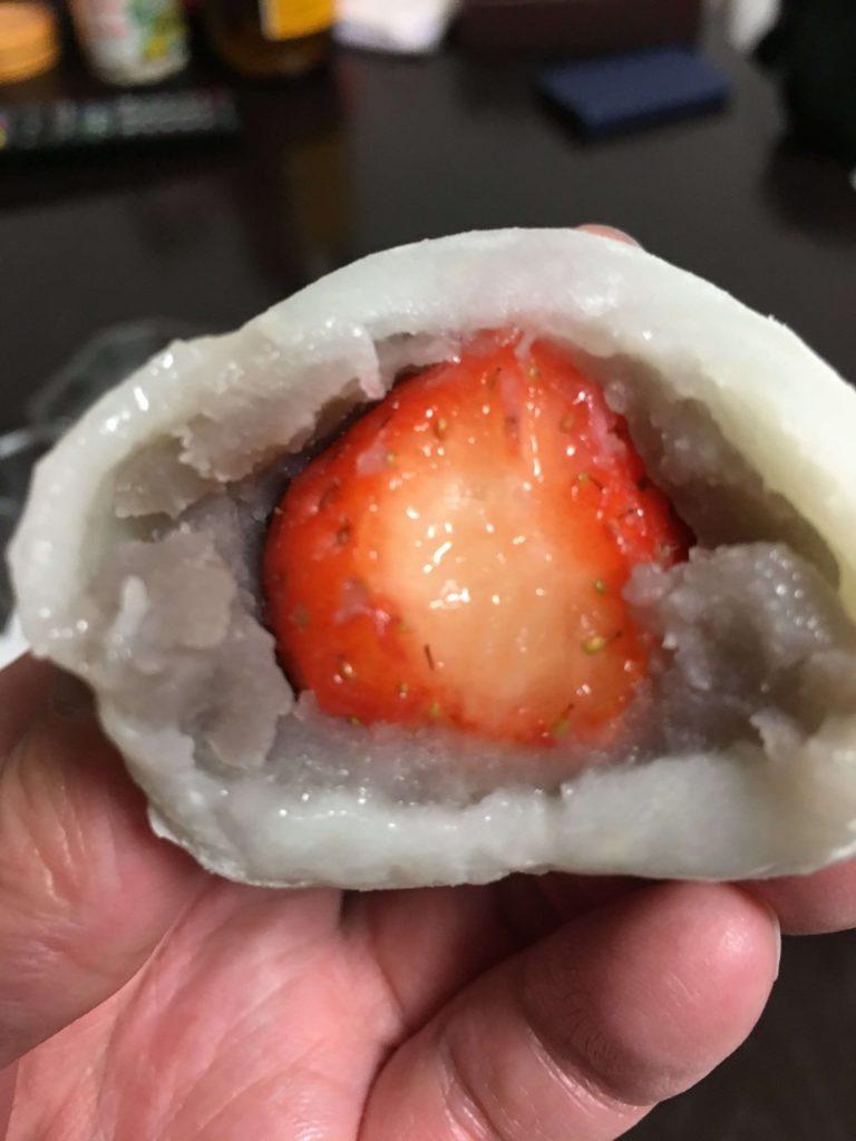 六花亭のイチゴ大福