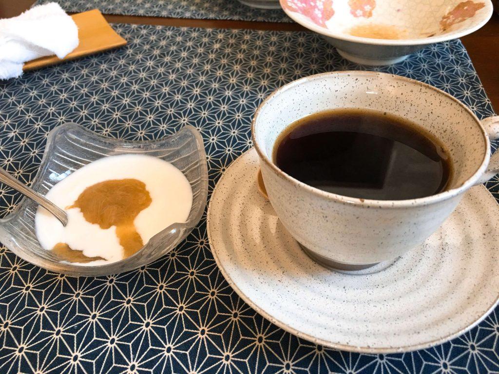 コーヒー2杯目とデザート