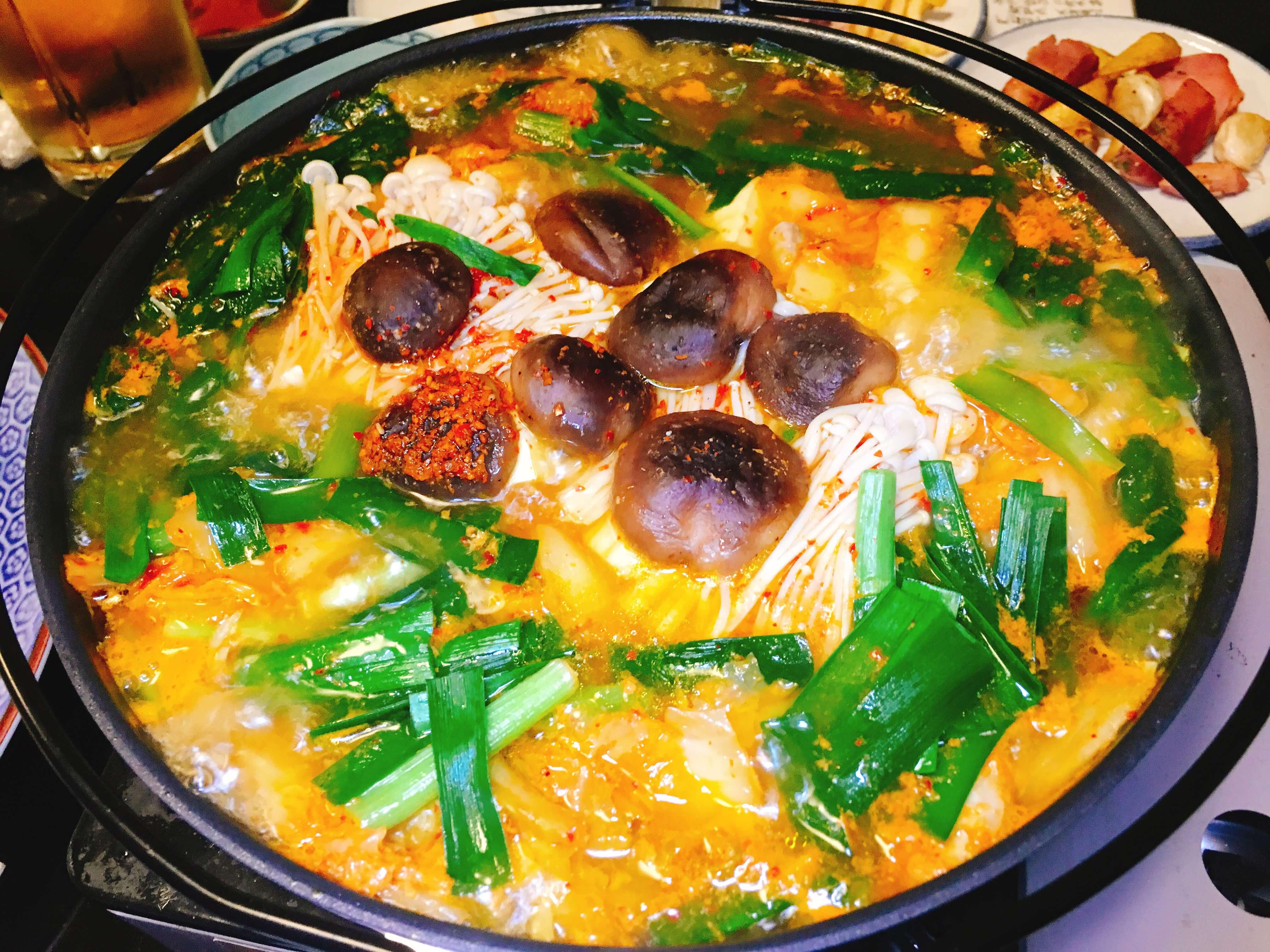 笑楽宴会コースチゲホルモン鍋