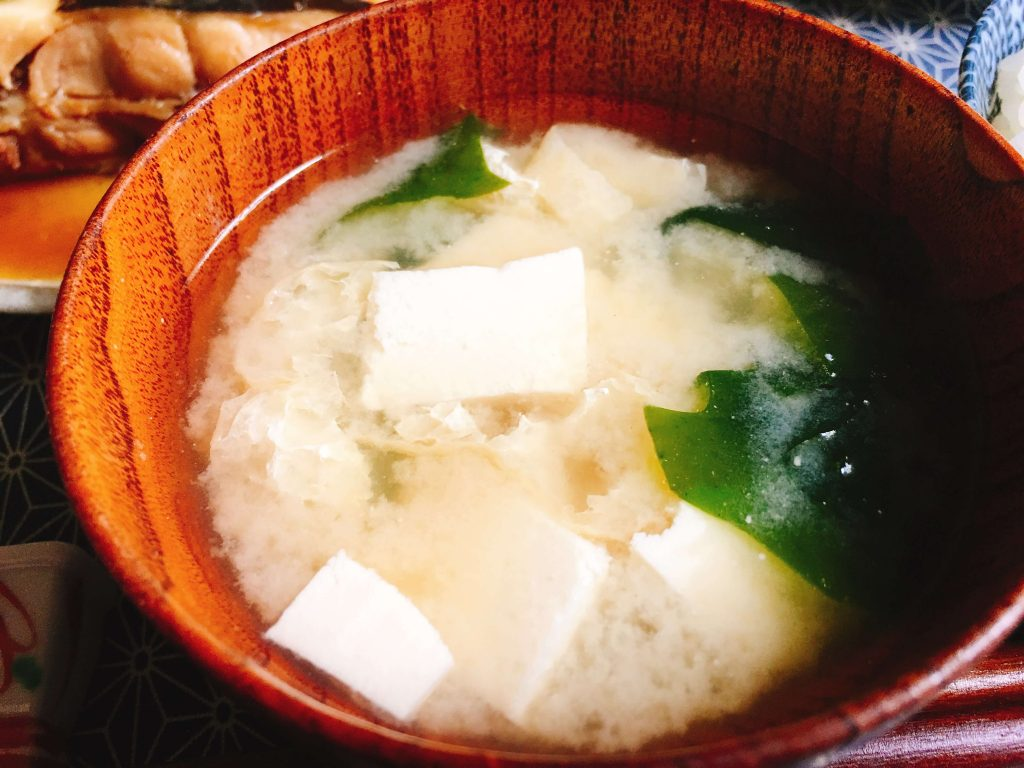 豆腐と揚げの味噌汁