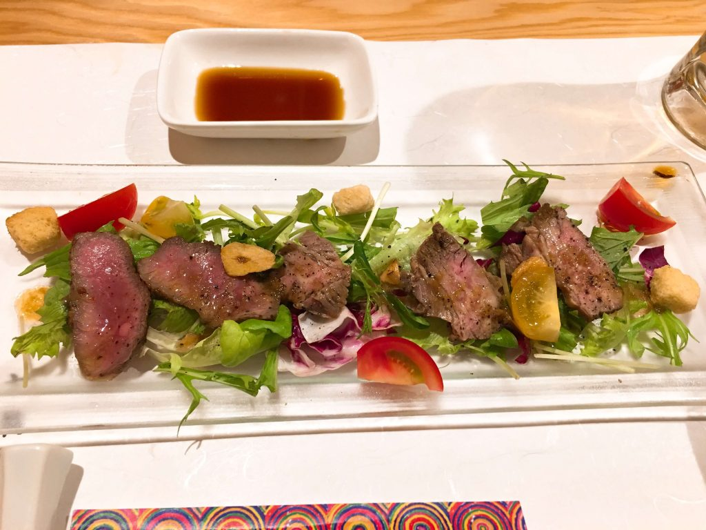 牛肉の炙りサラダ